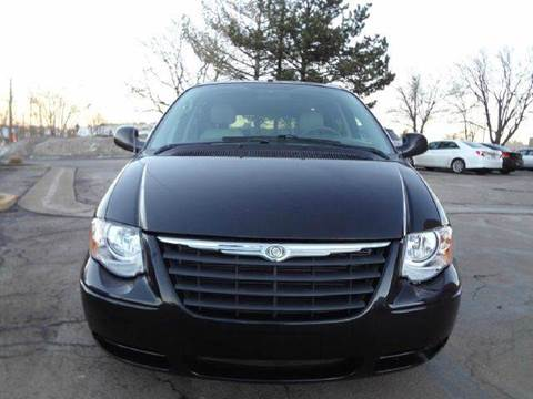 2006 Chrysler Town and Country for sale at Modern Auto in Denver CO