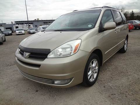 2004 Toyota Sienna for sale at Modern Auto in Denver CO