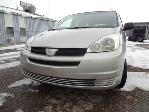 2005 Toyota Sienna for sale at Modern Auto in Denver CO