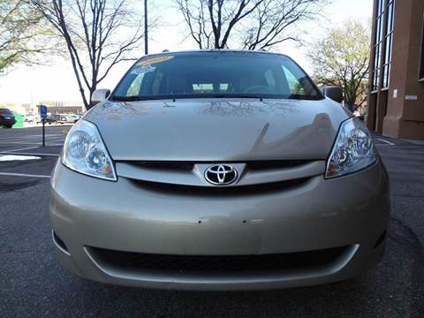 2009 Toyota Sienna for sale at Modern Auto in Denver CO