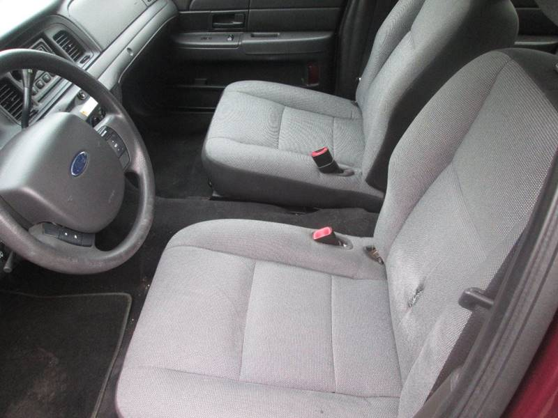 2011 Ford Crown Victoria Police Interceptor 4dr Sedan (3.27 Axle) - Golden Valley MN