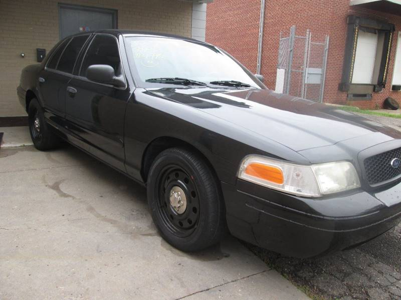 2007 Ford Crown Victoria Police Interceptor 4dr Sedan (3.27 axle) w/Driver and Passenger Side Air Bags - Golden Valley MN