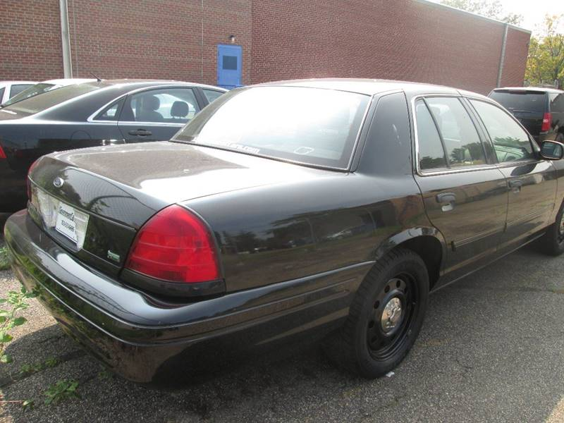 2009 Ford Crown Victoria Police Interceptor 4dr Sedan (3.27 Axle) - Golden Valley MN