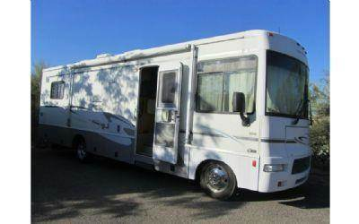 2005 Winnebago Sightseer 30B