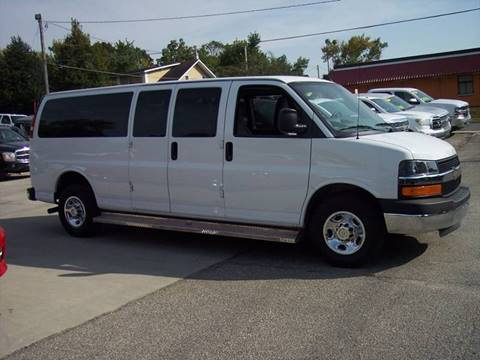 2016 Chevrolet Express Passenger for sale in Mason City, IA