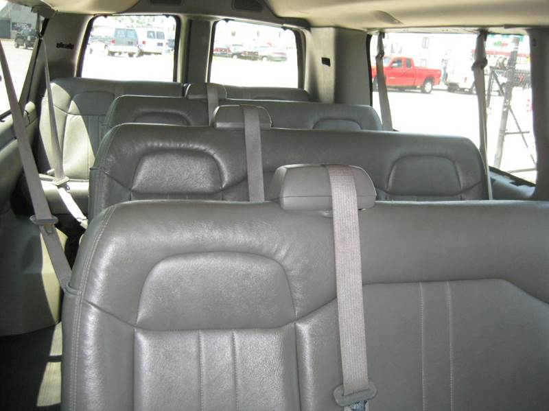 2008 Chevrolet Express Passenger LS 3500 3dr Extended Passenger Van - Kansas City MO
