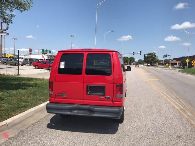 2010 Ford E-Series Wagon E-350 SD XL 3dr Passenger Van - Kansas City MO