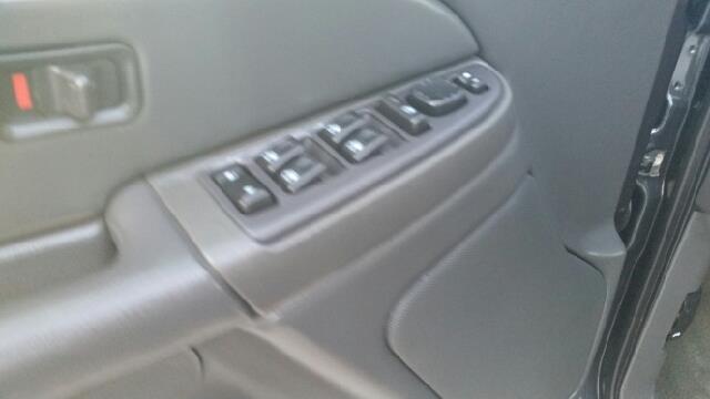 2004 Chevrolet Silverado 3500 LS 4dr Crew Cab 4WD LB DRW - Logan OH