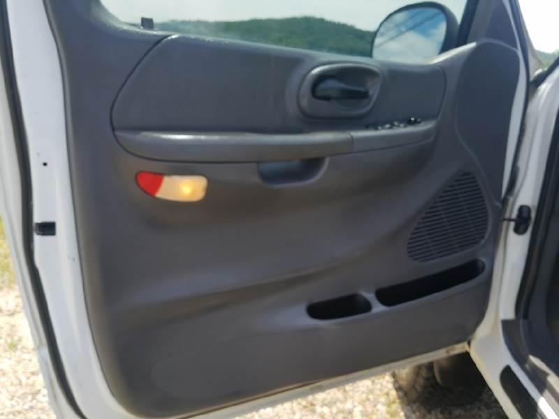 2001 Ford F-150 2dr Regular Cab XLT 4WD Flareside SB - Logan OH