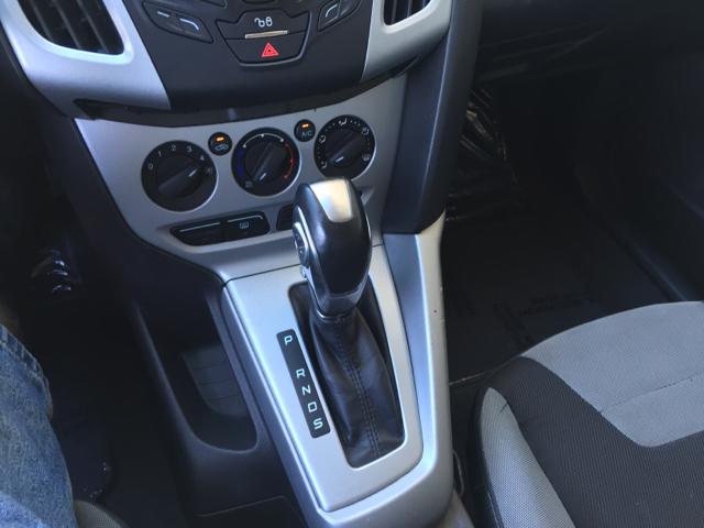 2012 Ford Focus SE 4dr Sedan - Glendora CA