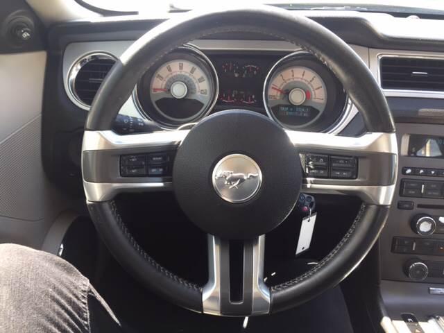 2010 Ford Mustang V6 Premium 2dr Coupe - Glendora CA