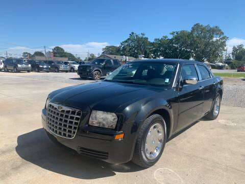 2005 Chrysler 300 for sale at Bayou Motors Inc in Houma LA