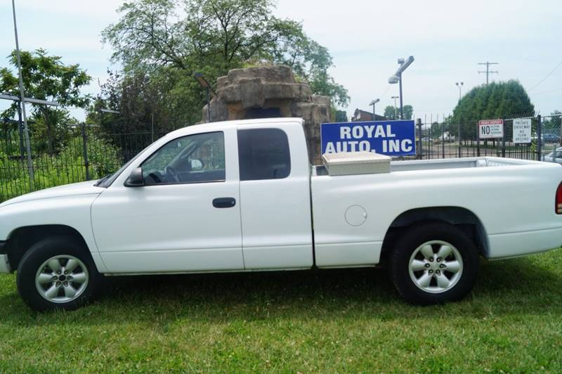 2004 Dodge Dakota for sale at Royal Auto Inc. in Columbus OH