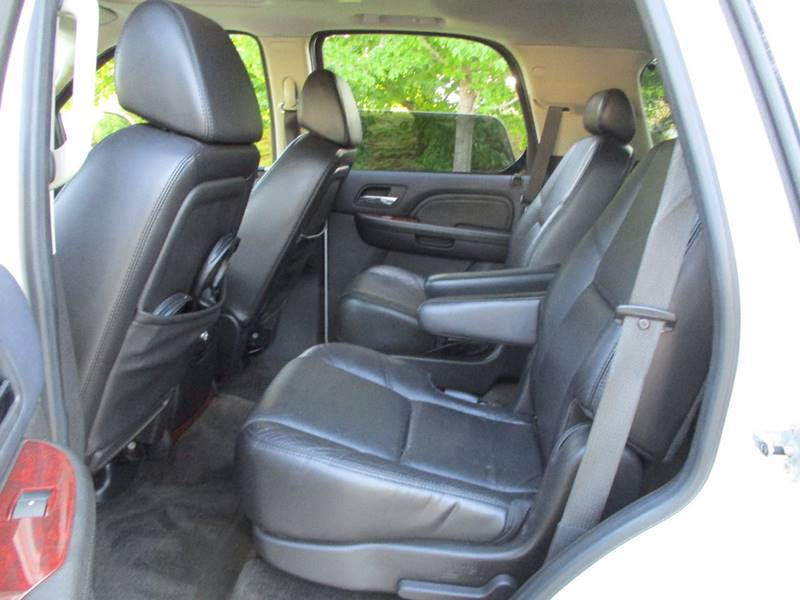2009 Cadillac Escalade for sale at Western Star Auto Sales in Chicago IL