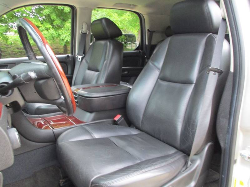 2007 Cadillac Escalade for sale at Western Star Auto Sales in Chicago IL