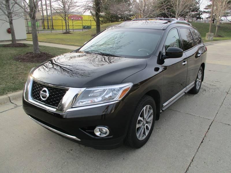 2013 Nissan Pathfinder Sl In Chicago Il Western Star Auto Sales