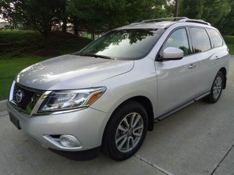 2015 Nissan Pathfinder for sale at Western Star Auto Sales in Chicago IL