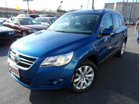 2009 Volkswagen Tiguan for sale at Western Star Auto Sales in Chicago IL