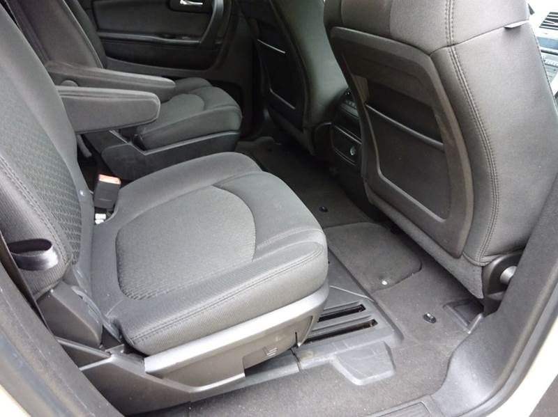 2009 Chevrolet Traverse for sale at Western Star Auto Sales in Chicago IL