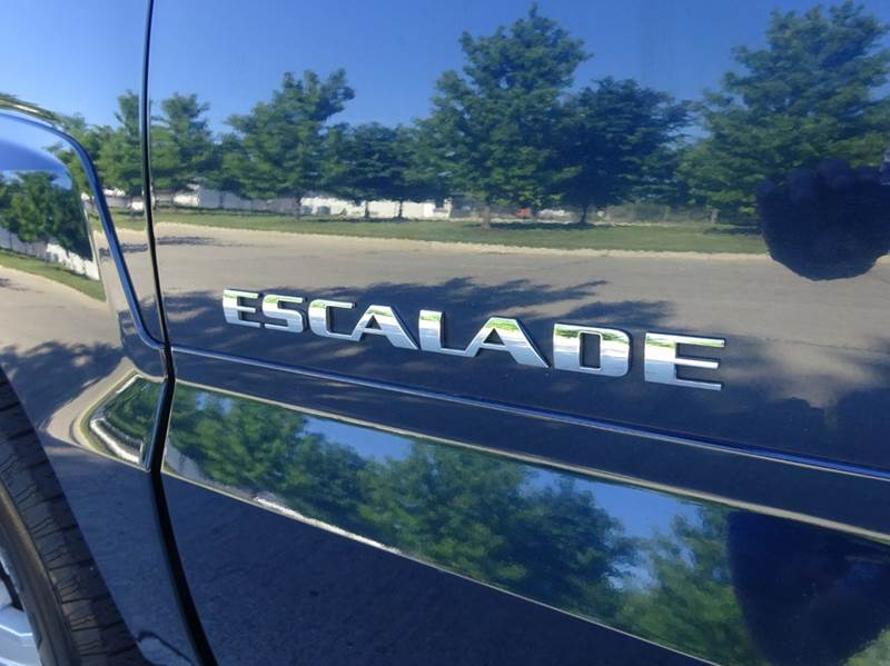 2004 Cadillac Escalade for sale at Western Star Auto Sales in Chicago IL