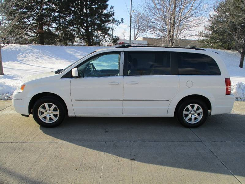 2010 Chrysler Town and Country for sale at Western Star Auto Sales in Chicago IL