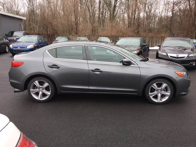 2013 Acura ILX 2.0L w/Tech 4dr Sedan w/Technology Package - Glenville NY