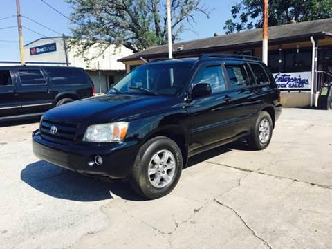 2005 Toyota Highlander for sale at OTWELL ENTERPRISES AUTO & TRUCK SALES in Pasadena TX