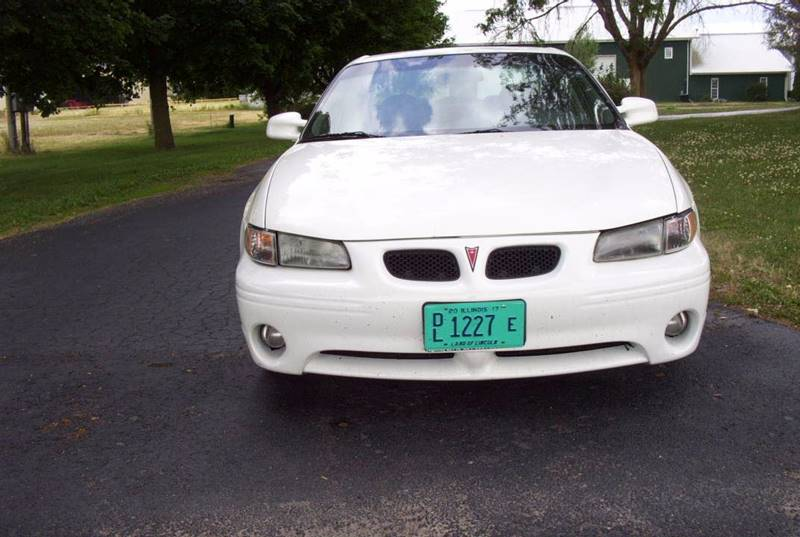 2002 Pontiac Grand Prix for sale at McClain Auto Mall in Rochelle IL