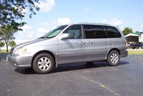2004 Kia Sedona for sale at McClain Auto Mall in Rochelle IL