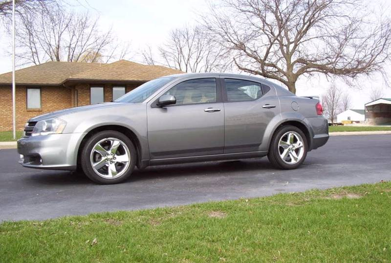 2013 Dodge Avenger for sale at McClain Auto Mall in Rochelle IL