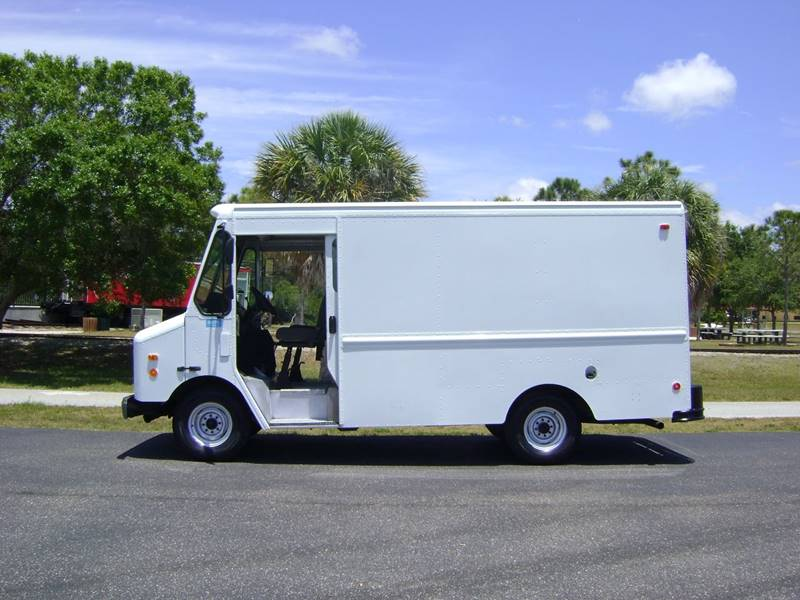 2004 Chevrolet Workhorse Grumman Olson for sale at Mason Enterprise Sales in Venice FL