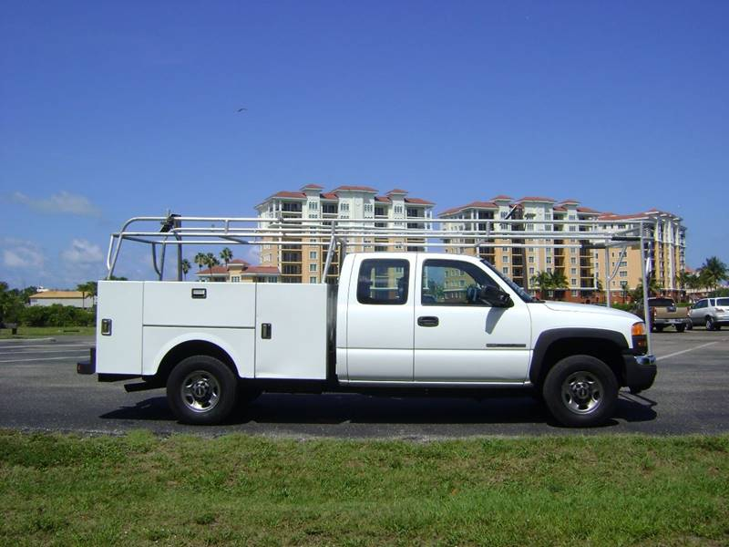 2006 GMC Sierra 2500HD for sale at Mason Enterprise Sales in Venice FL
