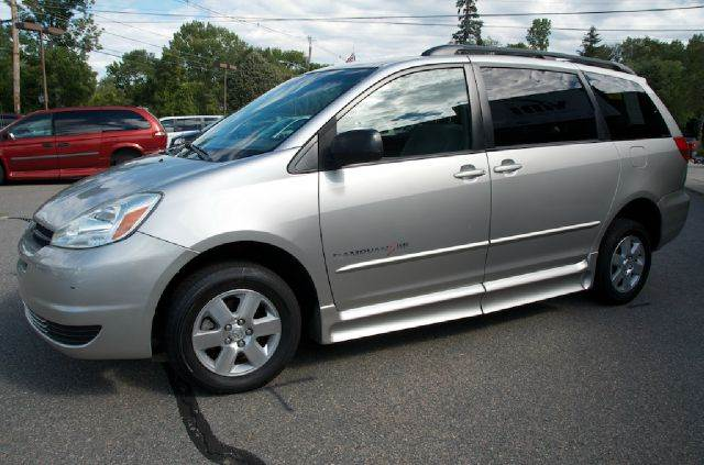 2004 Toyota Sienna for sale at LaBelle Sales & Service in Bridgewater MA