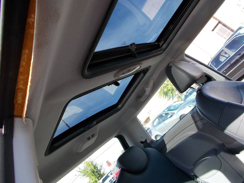 2003 MINI Cooper 2dr Hatchback - Toledo OH