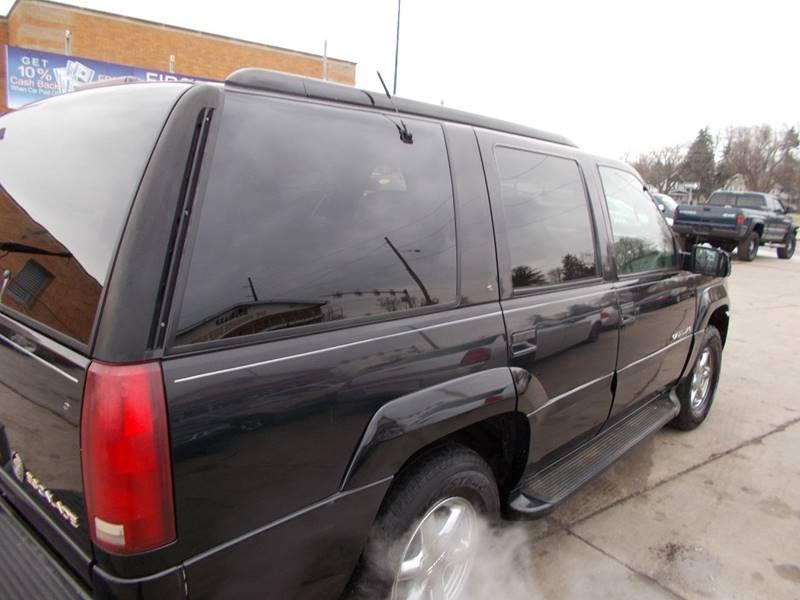 2000 Cadillac Escalade 4dr 4WD SUV - Toledo OH
