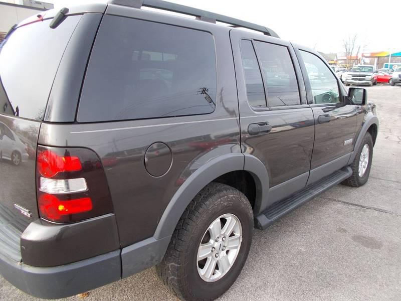 2006 Ford Explorer XLT 4dr SUV 4WD w/V6 - Toledo OH