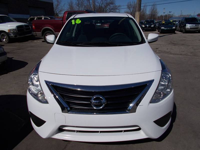 2016 Nissan Versa 1.6 SV 4dr Sedan - Toledo OH