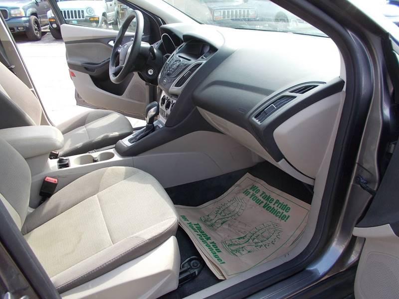 2014 Ford Focus SE 4dr Sedan - Toledo OH