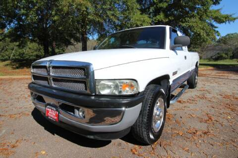 2001 Dodge Ram Pickup 2500 for sale at Oak City Motors in Garner NC