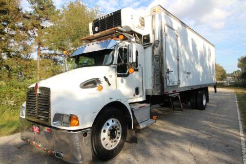 2005 Kenworth T300 for sale at Oak City Motors in Garner NC