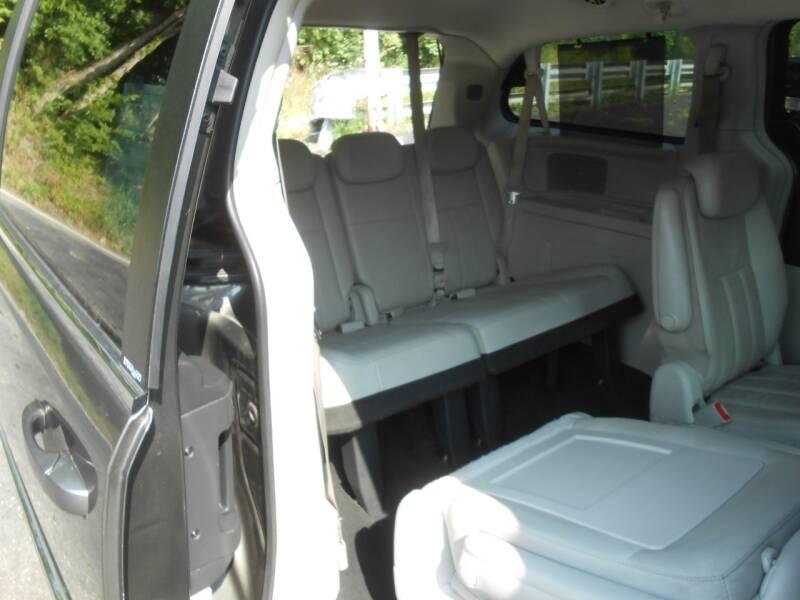 2010 Chrysler Town and Country Touring Plus 4dr Mini-Van - Penn Hills PA