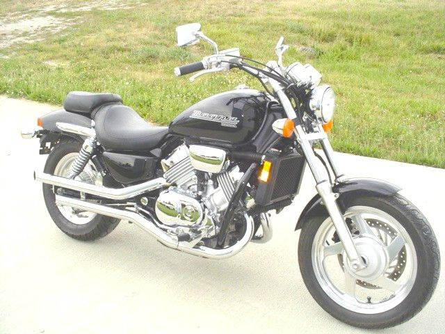 2001 Honda VF750C for sale at Heartland Classic Cars in Effingham IL