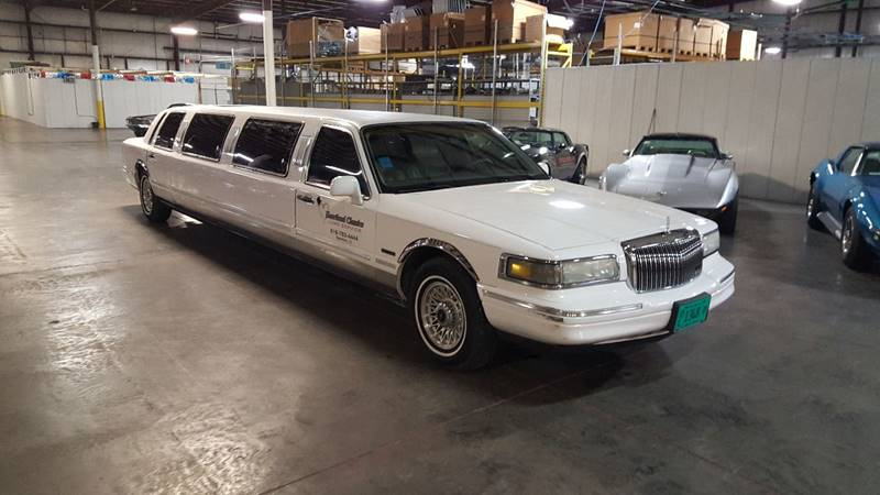 1997 Lincoln Town Car Executive 4dr Sedan In Effingham Il