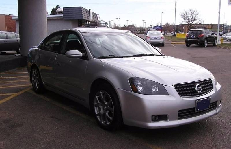 2006 Nissan Altima for sale at International Motor Group LLC in Hasbrouck Heights NJ