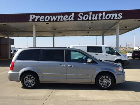2014 Chrysler Town and Country for sale in Urbandale, IA
