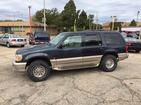 2000 Mercury Mountaineer for sale in Milwaukee, WI