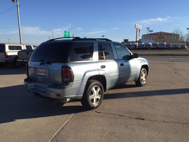 2006 Chevrolet TrailBlazer LS 4dr SUV 4WD w/1SB - Waterloo IA