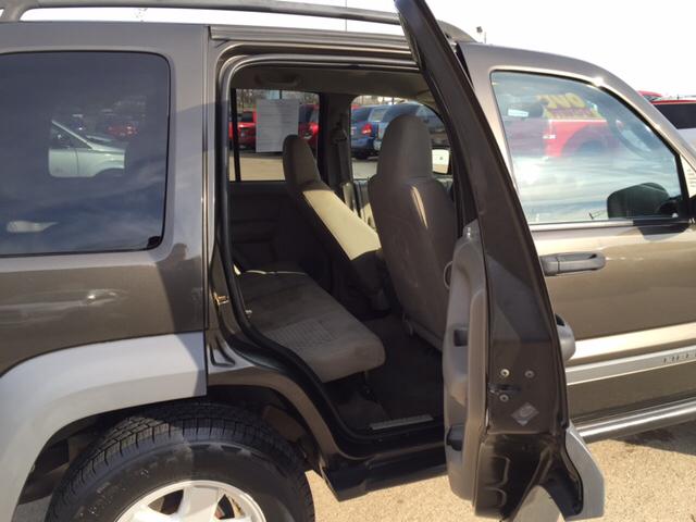 2005 Jeep Liberty Sport 4WD 4dr SUV - Waterloo IA