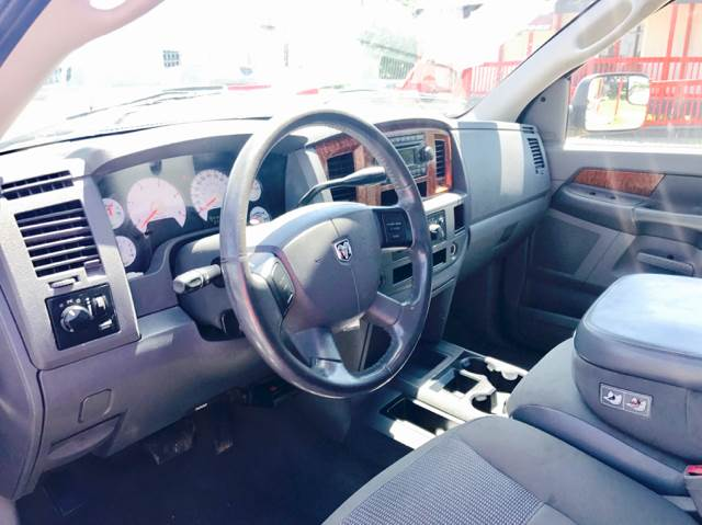 2006 Dodge Ram Pickup 2500 SLT 4dr Mega Cab SB RWD - Conroe TX