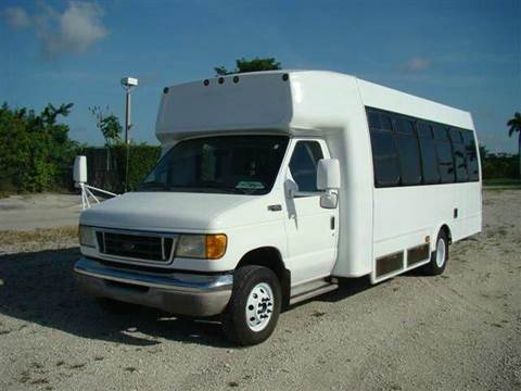 2004 Ford 22 Passenger w/ Wheelchair Lif for sale in Fort Lauderdale FL